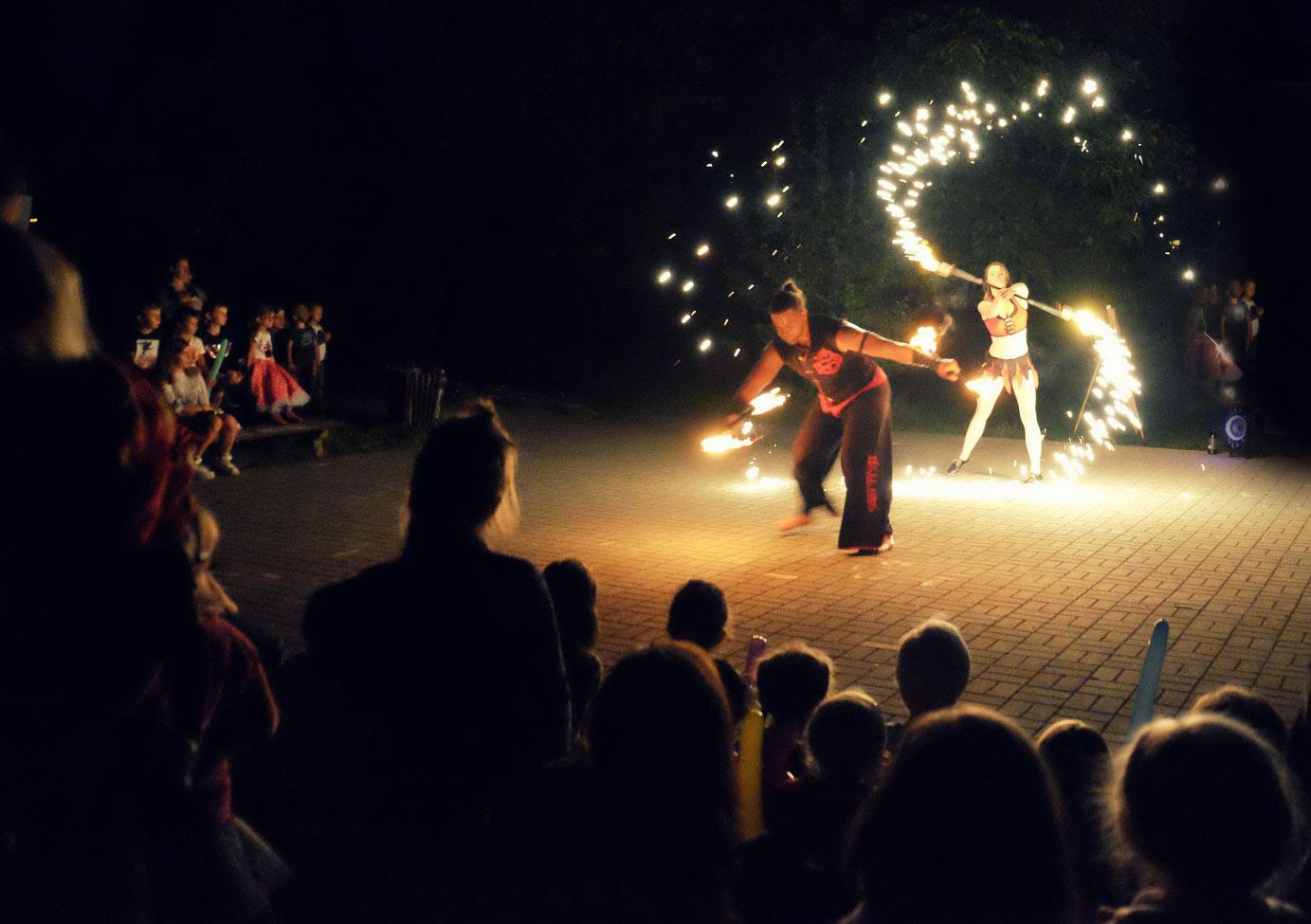 Čáry Kluk v Plzni na ohňové show
