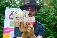 ČÁRY KLUK kouzelník pro děti s kartami