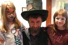Kouzelník Čáry Kluk a jeho dětské fanynky