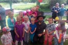 Spokojený kouzelník ČÁRY KLUK a děti na Moravě