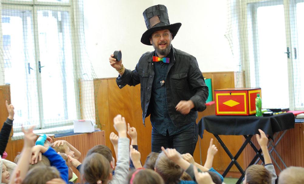 Kouzelník ve škole