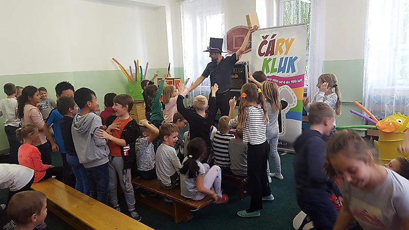 Kouzelník pro děti Hrob Nebeská