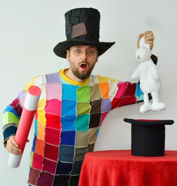 Kouzelník a králík | Čáry Kluk
